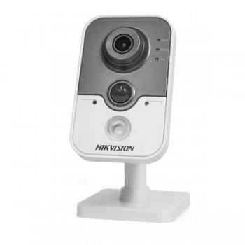 1.3МП IP видеокамера Hikvision DS-2CD2412F-IW (2.8 мм)